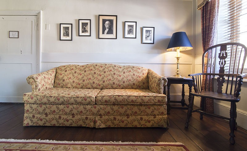 Reynolds Tavern Washington Suite