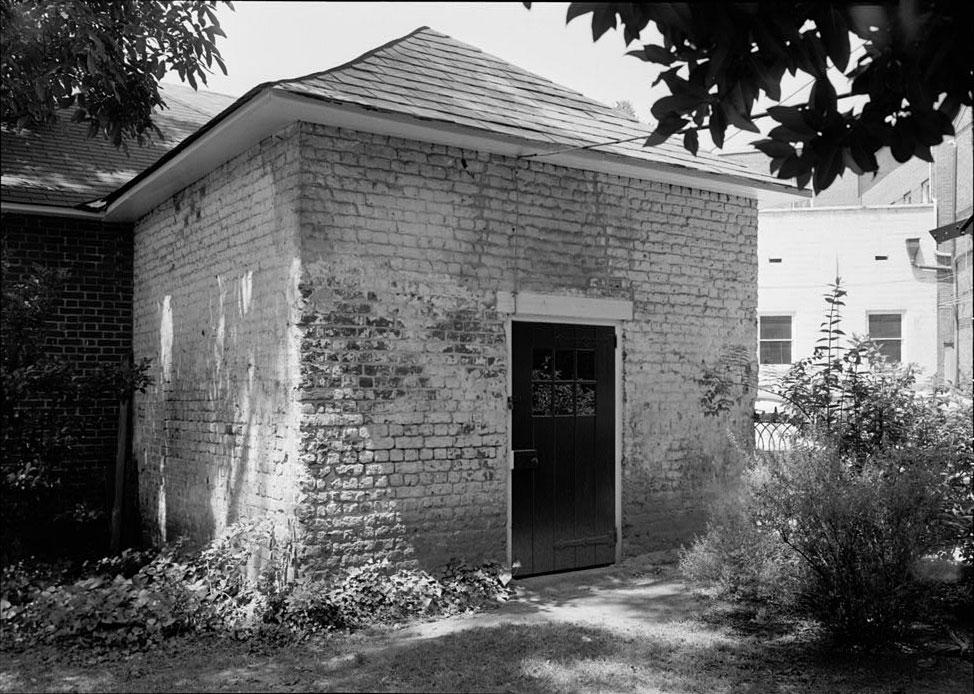 Reynolds Tavern Smokehouse - 1747 Pub